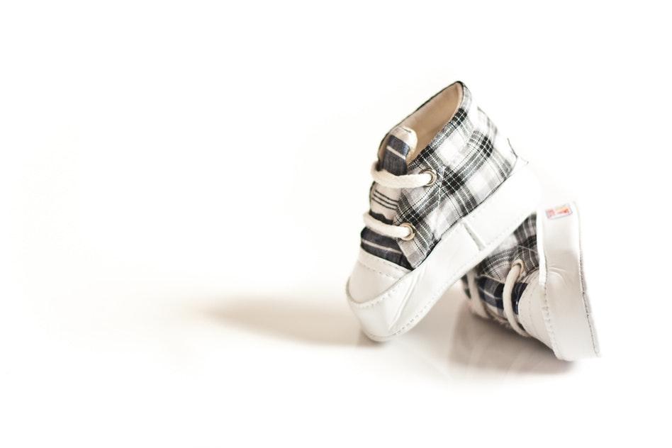Quelles chaussures mon enfant devrait-il porter?