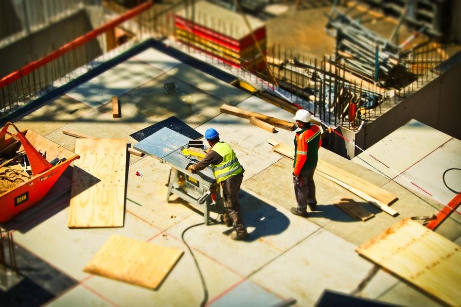 Quels sont les impacts d'un travail en position debout sur vos pieds?