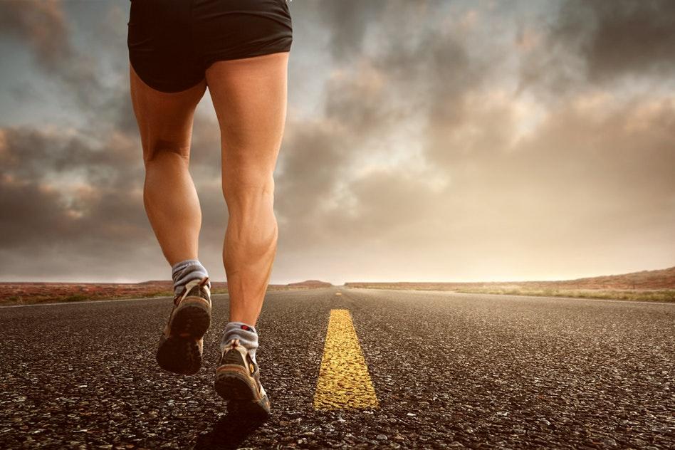 Pieds plats, pieds creux et le sport, qu'en est-il réellement?